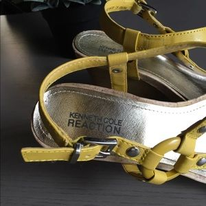 Kenneth Cole Reaction Shoes - 🔴 yellow sandals 👡